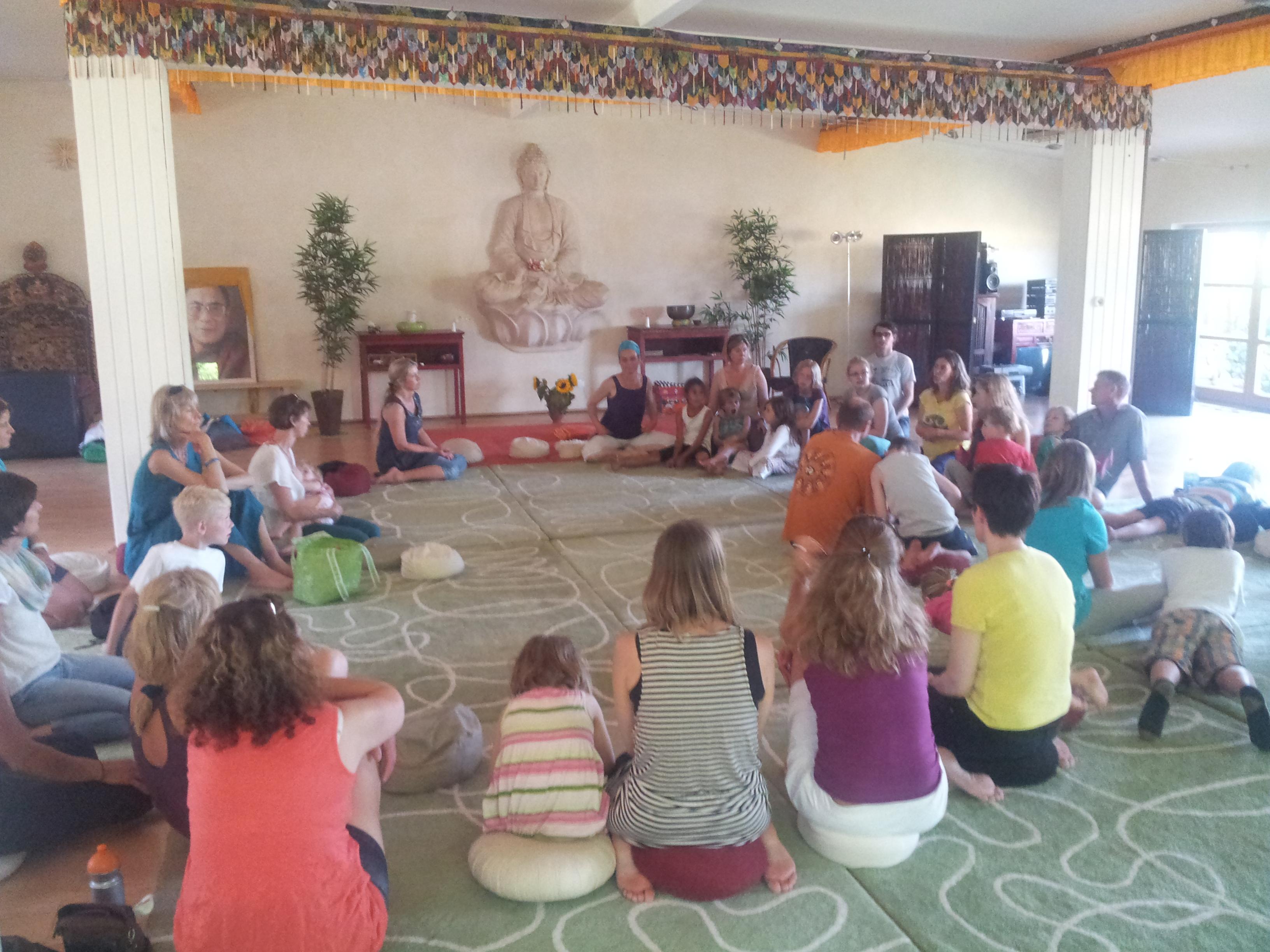 Yoga-Sommer-Ferien 2016 fuer die ganze Familie